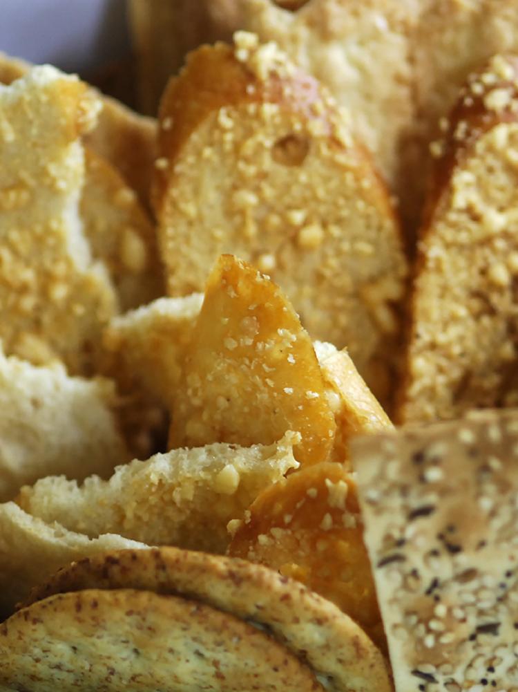 Impastatrice per pasta pane e pizza con accessori marcato pasta fresca made in italy - Impastatrice per pasta fatta in casa ...